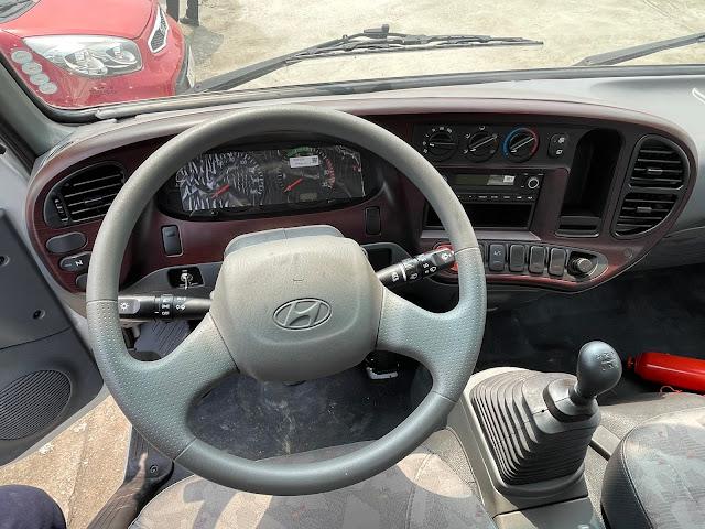 Vị trí lái xe tải Hyundai 110XL