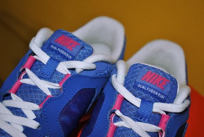 Niebieskie buty marki Nike Dual Fusion run
