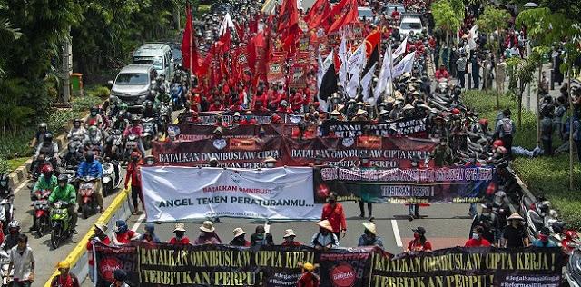 KSPI: Jika Jokowi Teken UU Ciptaker, Siap-siap Hadapi Protes Besar-besaran