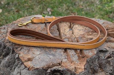 Guinzaglio a redine con imbottitura nella maniglia realizzato in cuoio London tan da 16 mm, lunghezza 1 metro