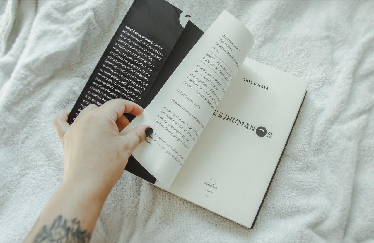 Foto de Livro abrindo