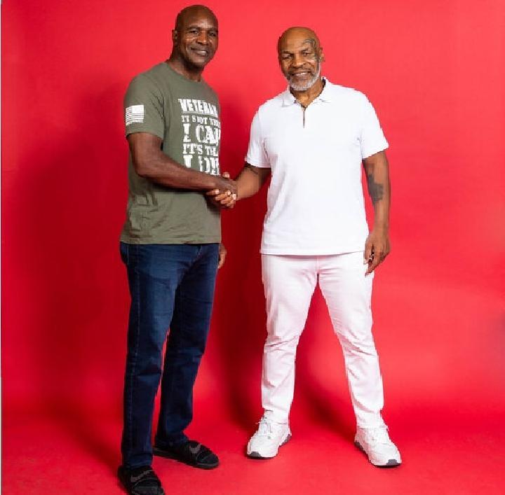 Tinju Dunia: Holyfield Siap Ladeni Mike Tyson, Ini Syaratnya