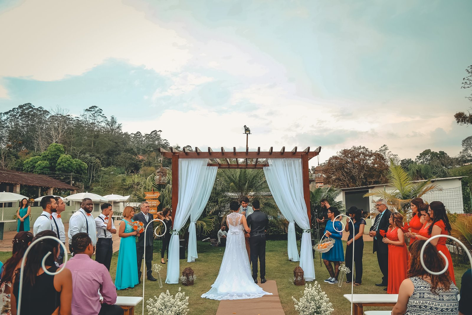atrakcje dla dzieci na weselu jak uatrakcyjnić wesele ślub dla dzieci atrakcje zajęcie animatorzy zabawki wiatraczki słodki stół dla dzieci wesele co zorganizować jak zorganizować strefę dla dzieci wesele na sali ślub