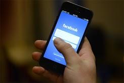 Facebook memulai 'review manusia' dari iklan yang berpotensi sensitif