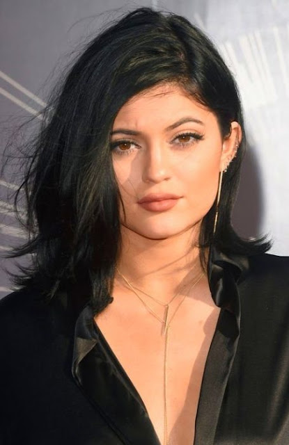 Black Wavy Medium Length Hairstyle - Medium Length Hairstyle and Haircuts For Women
