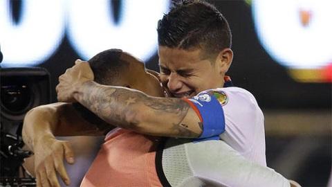 Rodriguez đã khóc trong sung sướng, sau khi đội nhà vượt qua Peru ở tứ kết Copa