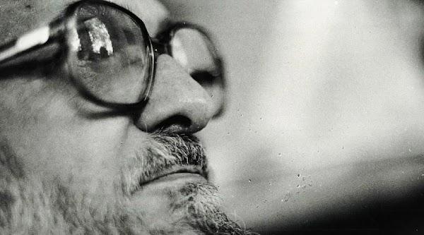 Paulo Freire : La responsabilidad ética, política y profesional del educador es capacitarse