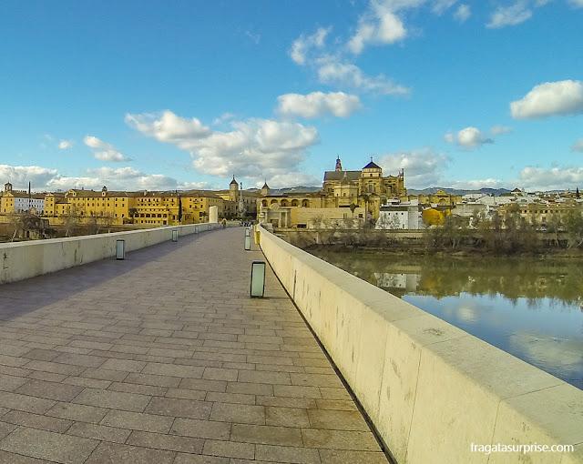 Mesquita de Córdoba vista da Ponte Romana