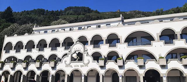 Fachada do hotel São Bento