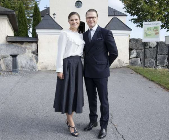 At Östra Ryd Church in Taby city, Crown Princess wore MAYLA Daria silk blouse, and Saint Laurent sandals