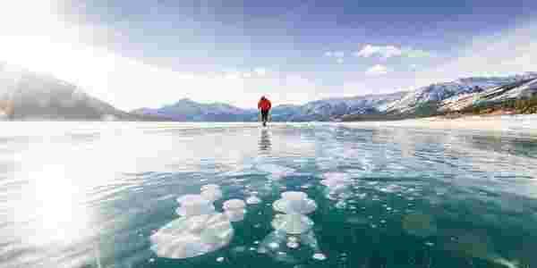 أغرب بحيرة في العالم