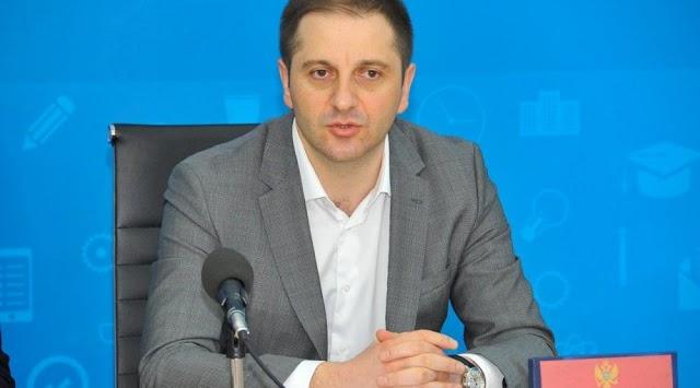 Šehović: Nećemo dozvoliti političku zloupotrebu djece u školama