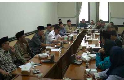 Kabar Baik: Guru Madrasah dan Non-PNS akan Diprioritaskan Dapat Bantuan
