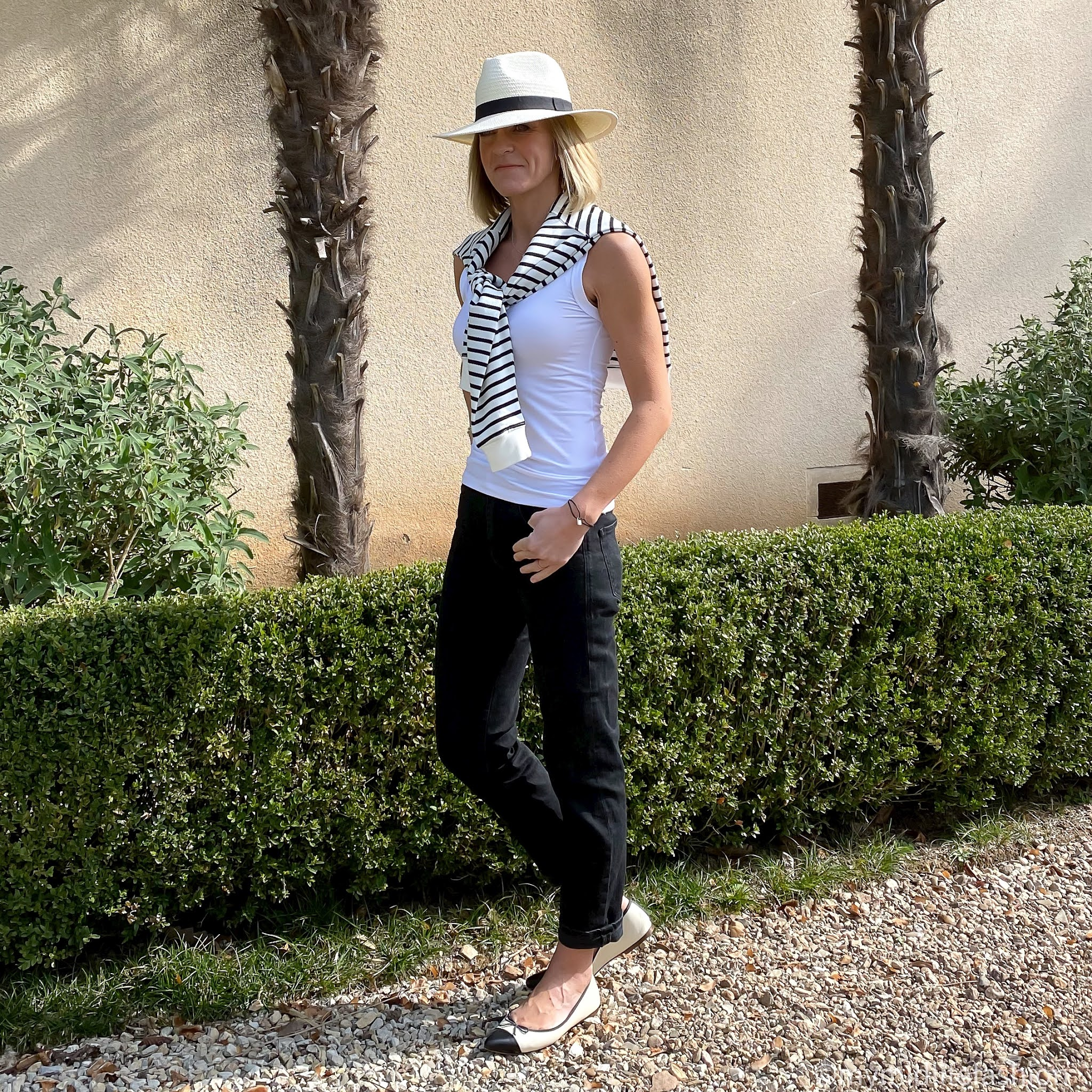 my midlife fashion, baukjen samara organic sweatshirt, baukjen Brenna top, baukjen the boyfriend jean, h and m Panama hat, j crew two tone ballet pumps