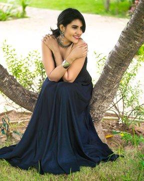 nivisha black dress still