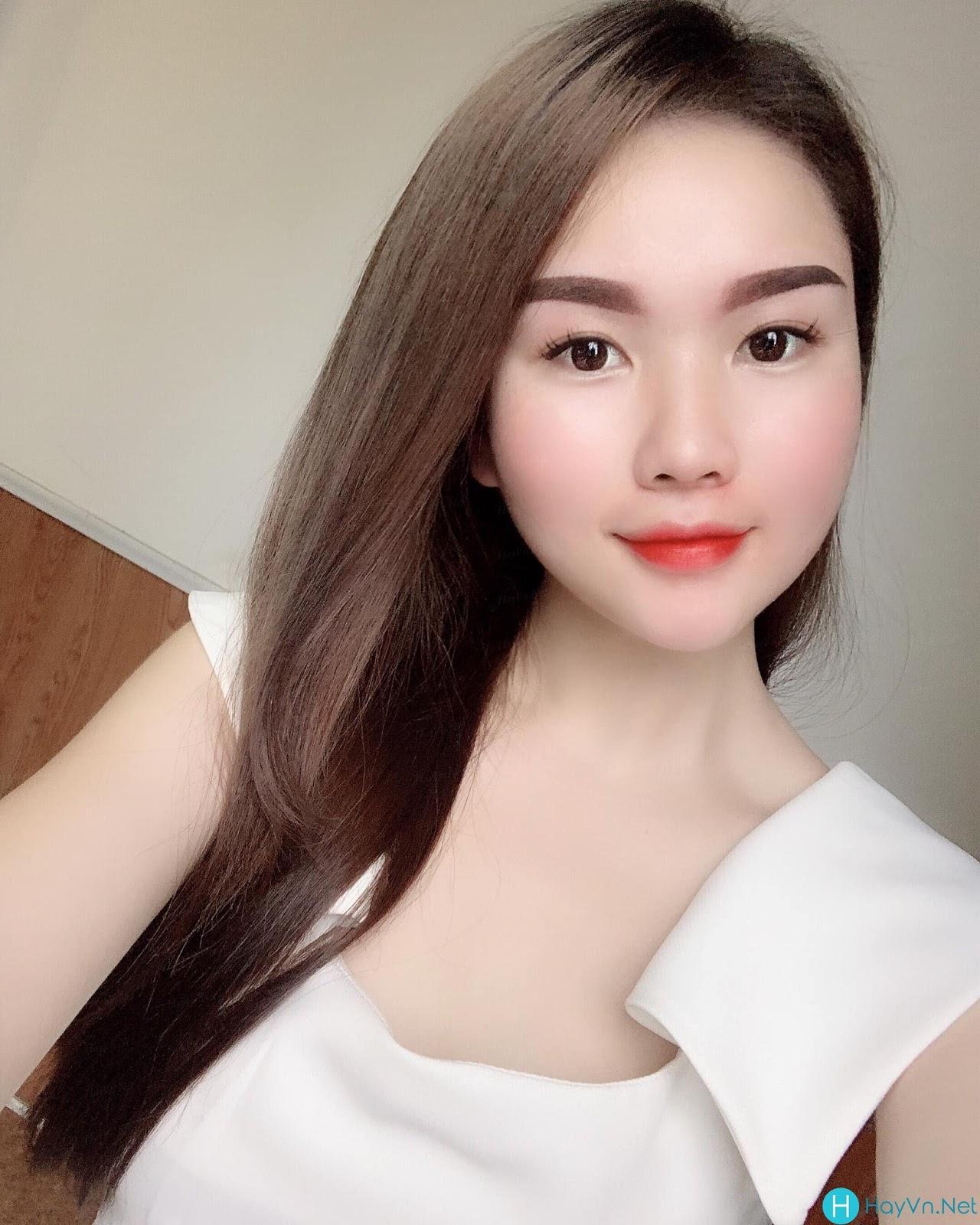 Model Thùy Lâm | E-CUP