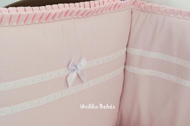 colcha cuna rosa blanco