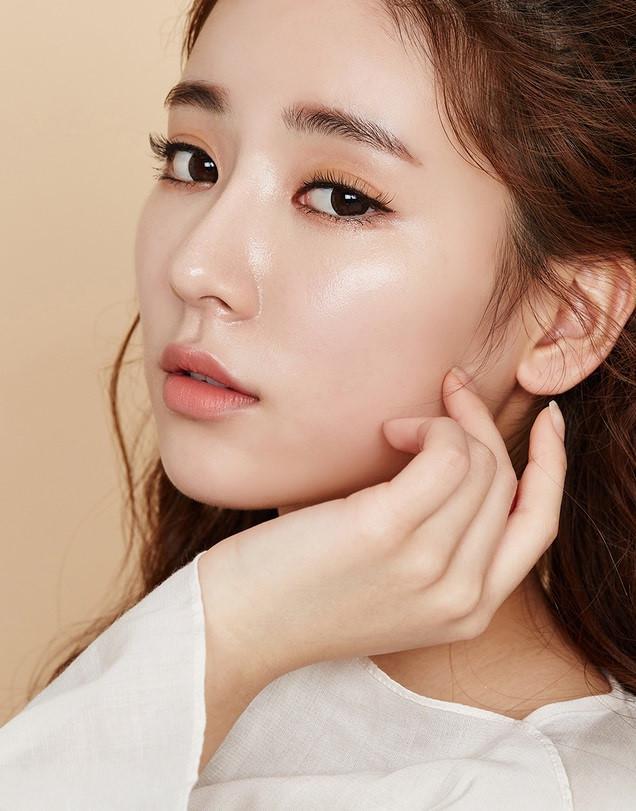 Hyaluronic Acid giúp bạn có làn da căng bóng như idol Hàn Quốc