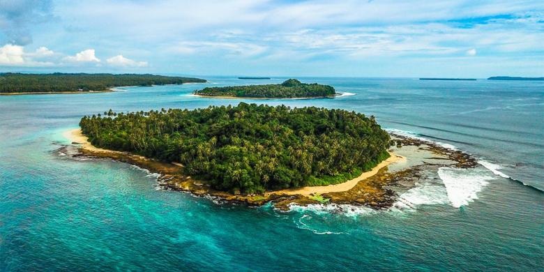 Pantai Pulau Tello