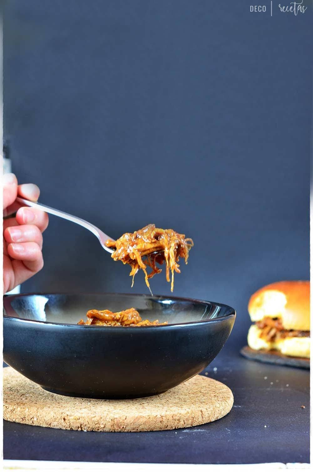 cerdo desmigado con salsa barbacoa