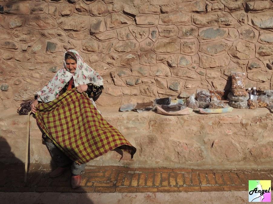 abyaneh kashan women iran