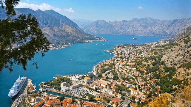 Atracții turistice în Muntenegru: Golful Kotor, Orașul vechi Kotor și Cetatea San Giovanni