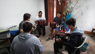 Comenzó el taller gratuito de bandoneón dictado por la UNLa en la Biblioteca