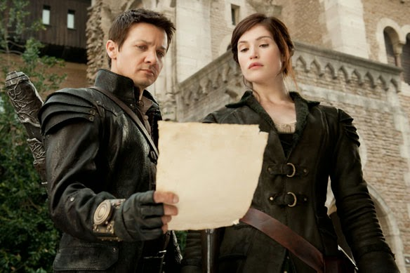 Hansel and Gretal Witch Hunters Jeremy Renner Gemma Arterton
