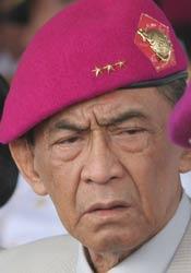Mantap Jendral Marinir Bela Guru yang diancam Orang Tua Siswa - Commando