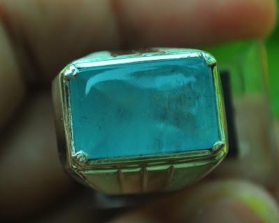 batu mulia aquamarine
