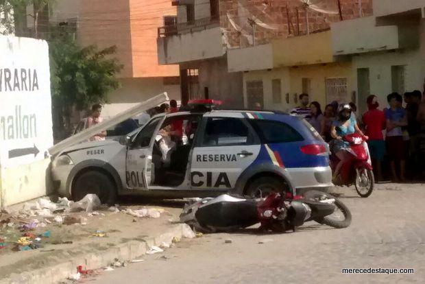Viatura bate em muro durante perseguição e suspeito acaba detido em Santa Cruz do Capibaribe