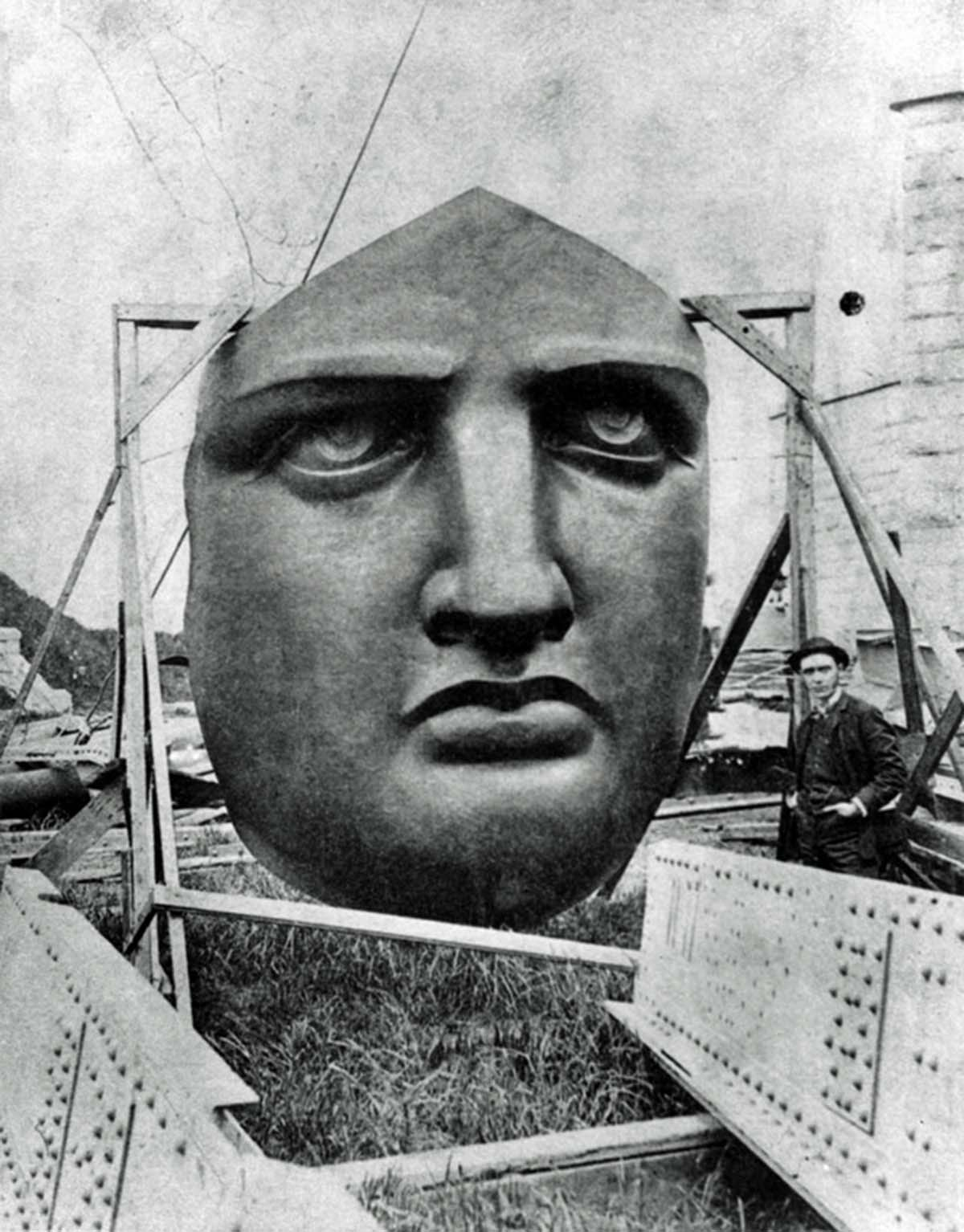Even before Lady Liberty became an American symbol of freedom, pieces of the statue were popular tourist attractions in their own right as people flocked to see the work under construction.