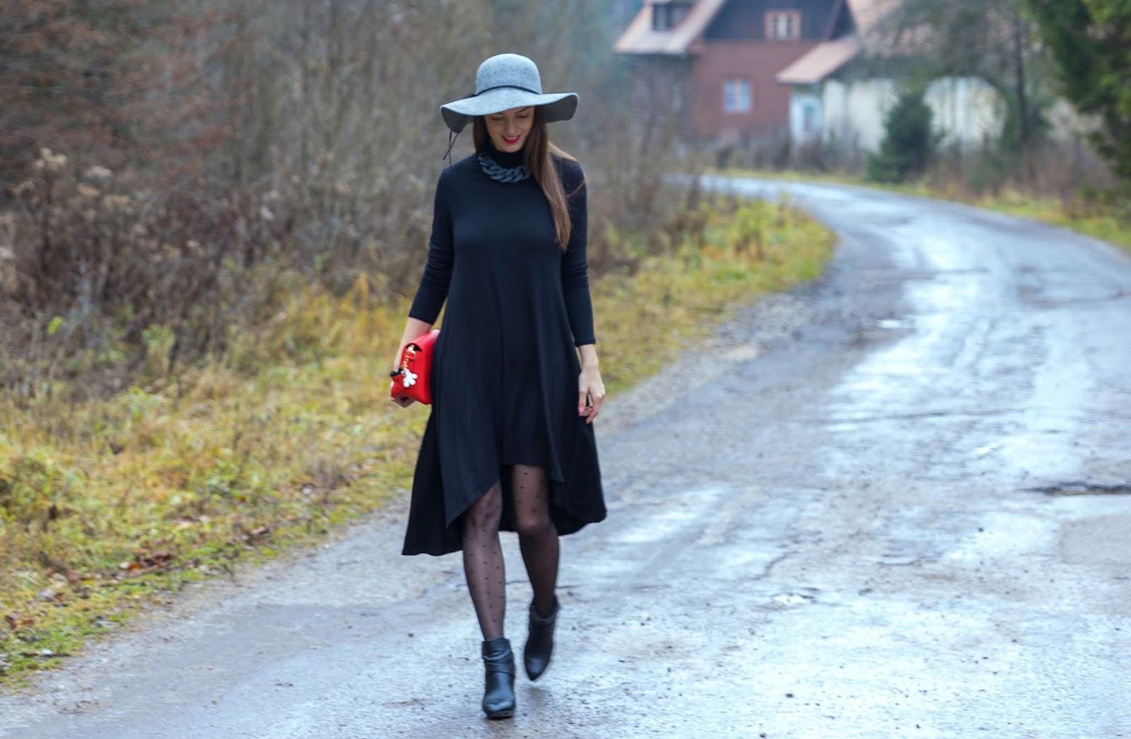čierne asymetrické šaty