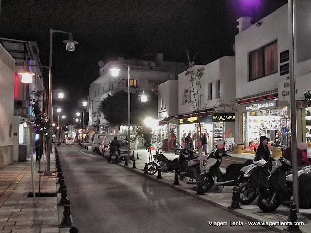 Noite de 24 de dezembro: um dia normal na cidade muçulmana de Bodrum, na Turquia.