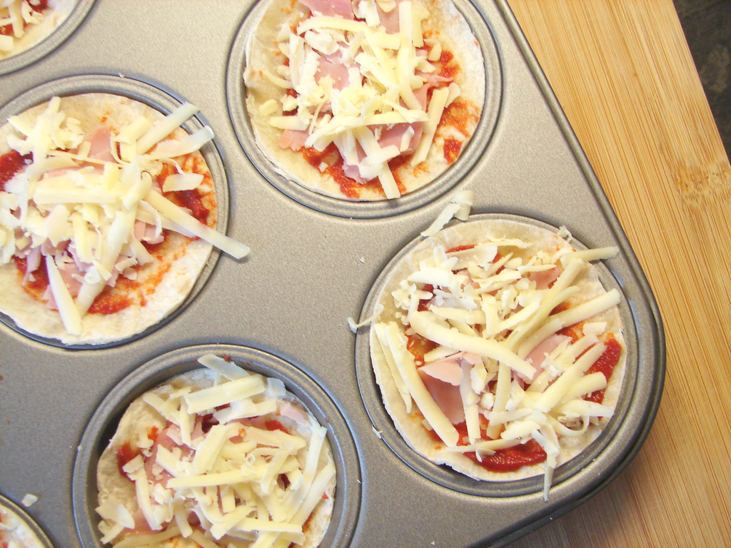 How To Make Mini Tortilla Wrap Pizzas Pretty And Polished