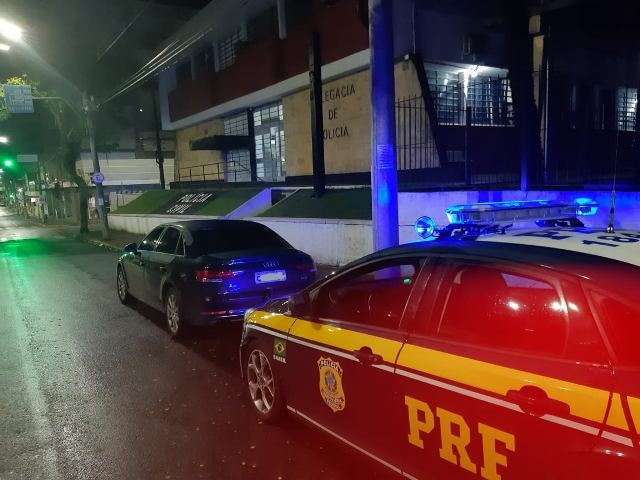 PRF recupera automóvel com fraude