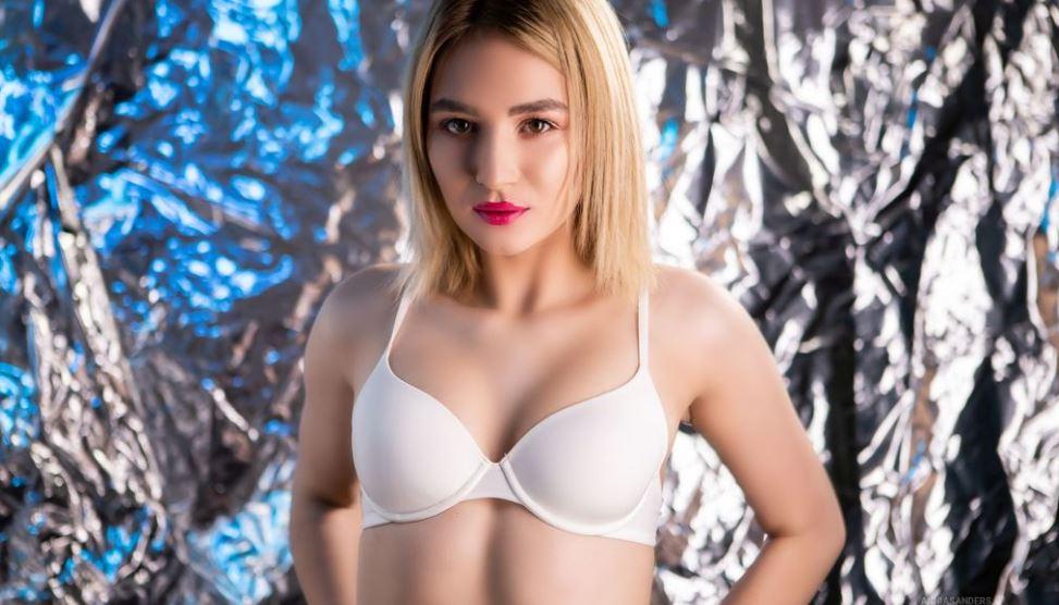 AnniaSanders Model GlamourCams