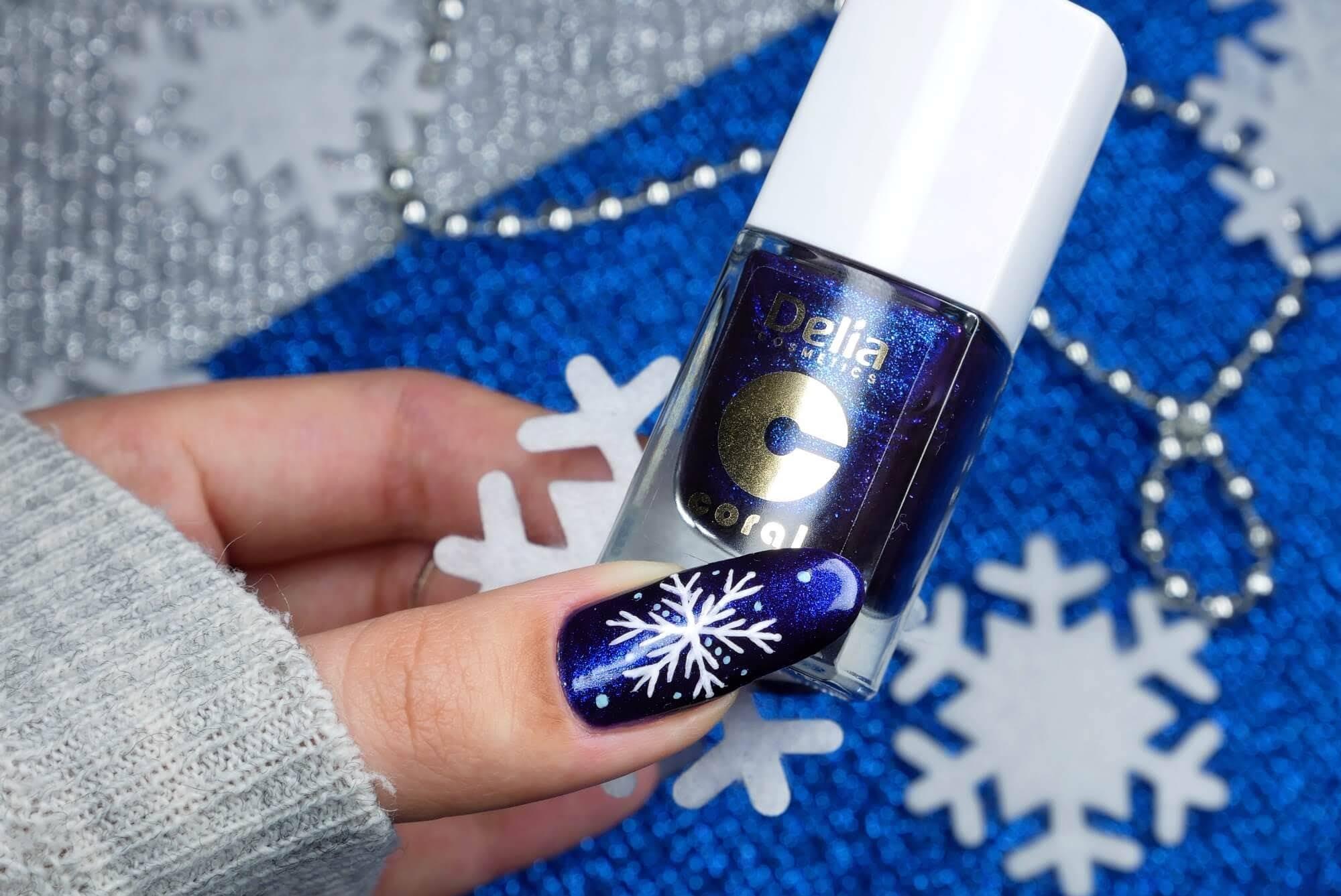 paznokcie w śnieżynki