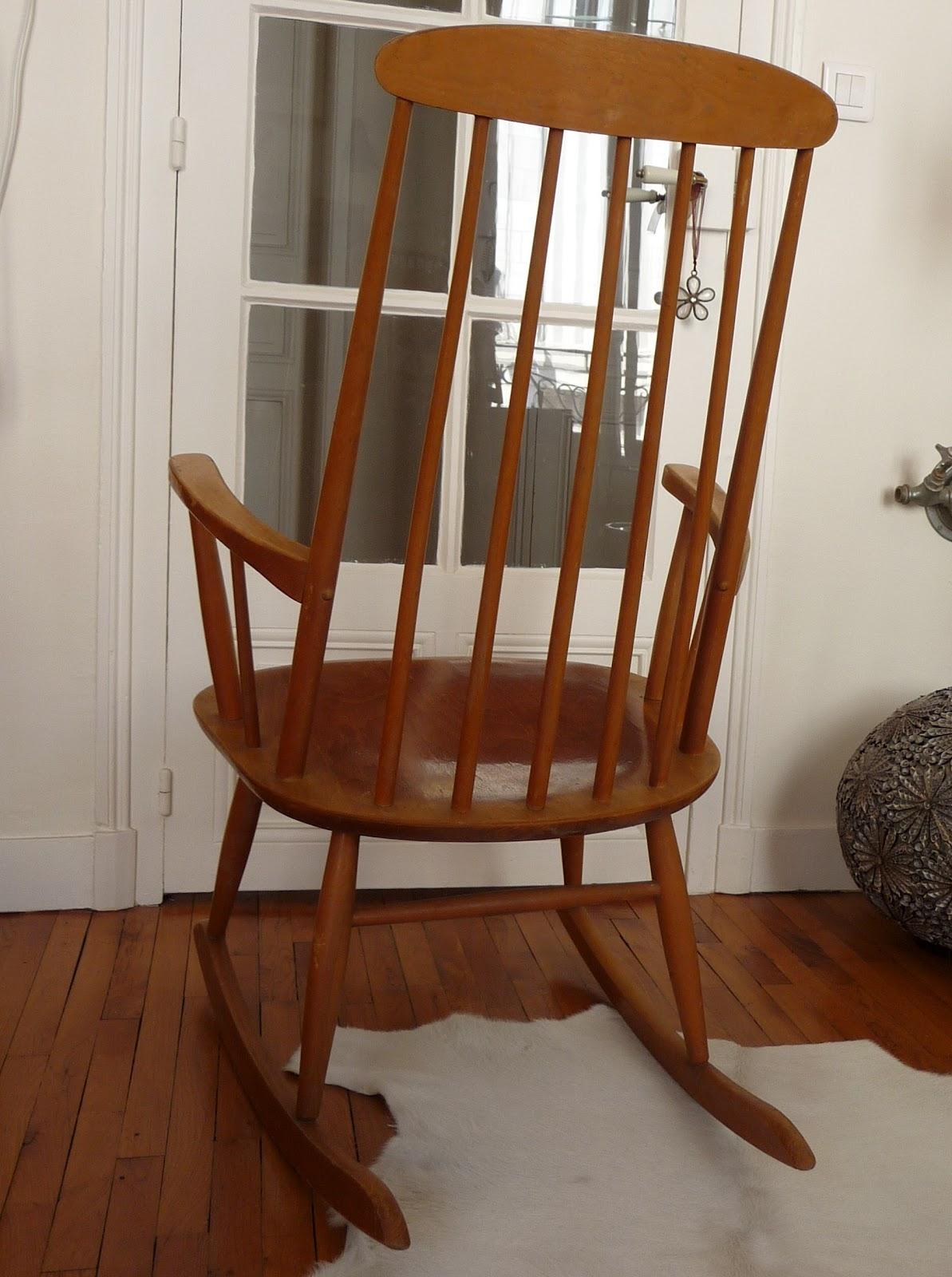dur e de vie ind termin e rare rocking chair scandinave. Black Bedroom Furniture Sets. Home Design Ideas