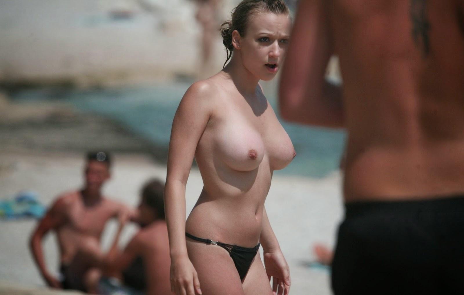 Beautiful Women Nude On The Beach