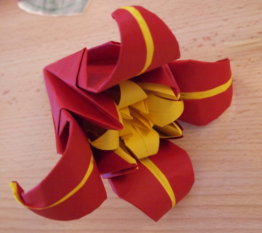 atelier des enfants ama fleurs en origami. Black Bedroom Furniture Sets. Home Design Ideas
