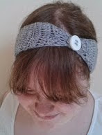 http://translate.googleusercontent.com/translate_c?depth=1&hl=es&rurl=translate.google.es&sl=en&tl=es&u=http://bitsandbobblesblog.blogspot.co.uk/2013/03/crochet-button-up-headband-pattern.html&usg=ALkJrhiHsNTaevxKXzxASweIls2uVYQrjw