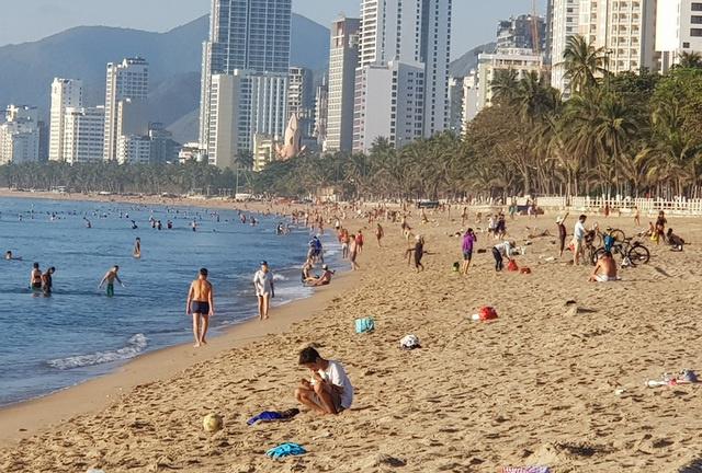 Nha Trang cho tắm biển trở lại từ 04/05/2020 sau thời gian cách ly xã hội 5