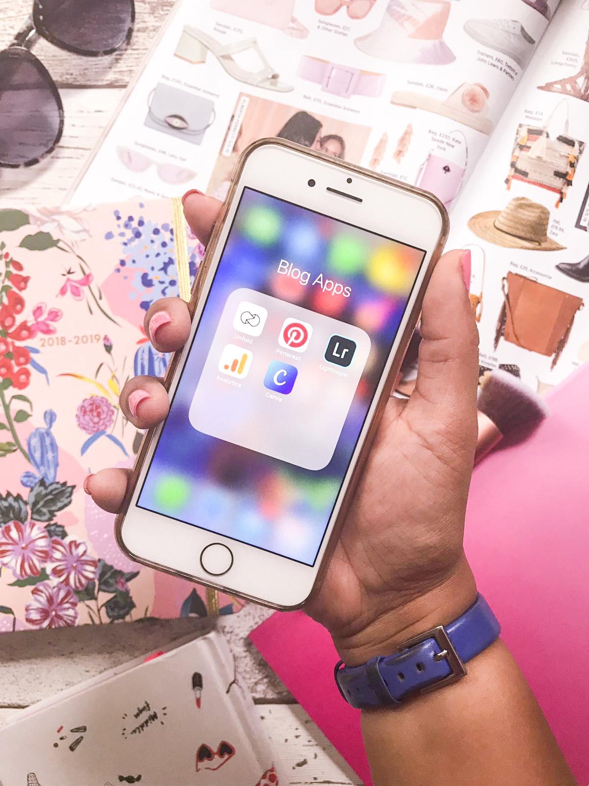 iPhone blog apps flatlay