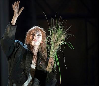 Brett Dean: Hamlet - Glyndebourne on Tour - Jennifer France (Photo Richard Hubert Smith)