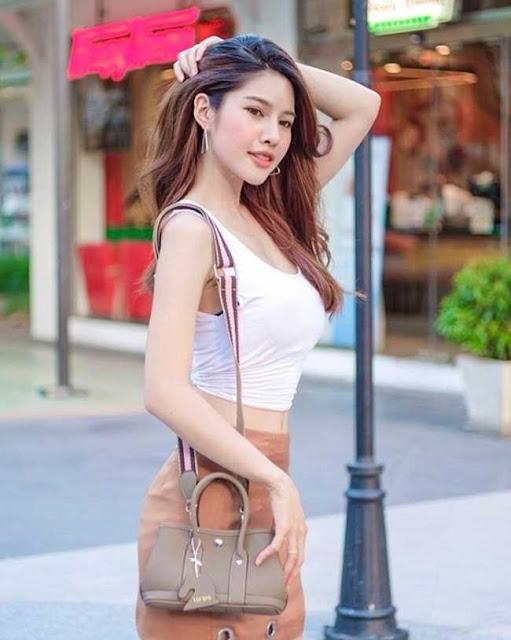Kiểu áo này có gì đặc biệt mà phụ nữ Thái thường diện từ nhà ra đường?