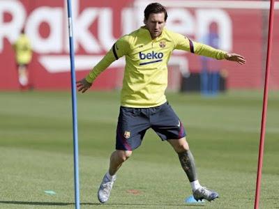 """Messi tập cực """"dị"""" cùng Barca, chờ La Liga trở lại tranh cúp với Real"""