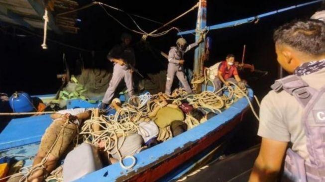 Lagi! Bakamla RI Tangkap Kapal Vietnam Pencuri Ikan di Natuna