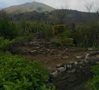 Pendakian gunung Penangggungan via Jolotundo