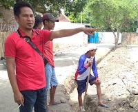 Warga Hentikan Pekerjaan Drainase di BTN Sadia,  Tuntut Pembentukan Ulang Pokmas